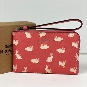 NWT Coach Corner ZIP Wristlet Wallet W/Bunny